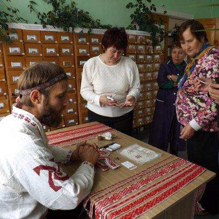Музей народного быта открылся в библиотеке-филиале №2