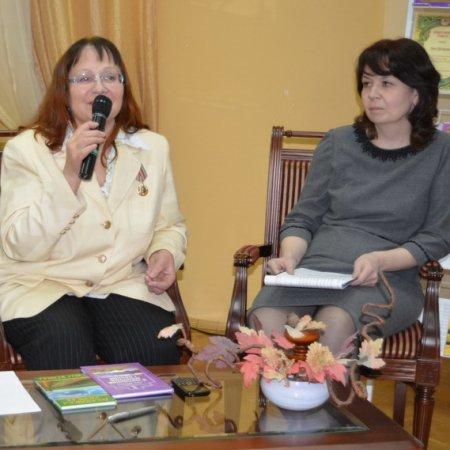 Презентация книги Нины Шкляровой «Засветло: стихи и переводы»