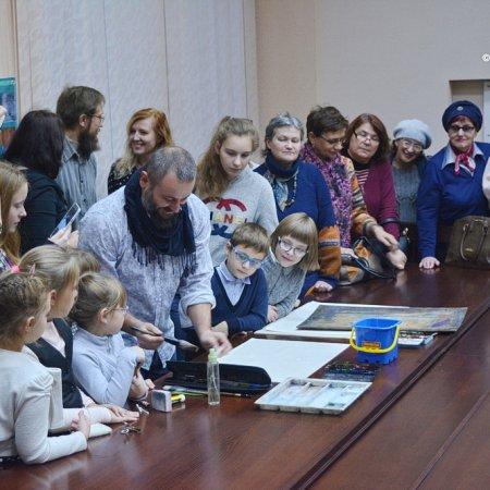Открылась выставка Виктора и Дениса Петруленковых «Арт города»