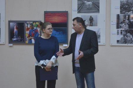 В центральной городской библиотеке открылась фотовыставка Сергея Холодилина «Мгновения»